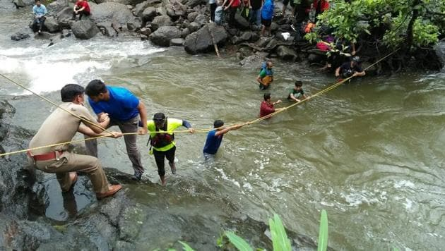 Raigad police and river rafters carried out a rescue operation soon after receiving an alert.(HT Photo)