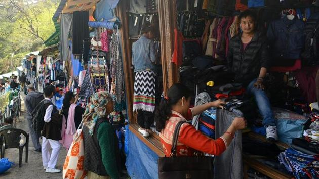 A Tibetan market at Lakkar Bazaar in Shimla. India is home to an estimated 1.5 lakh Tibetans, most of who live in 35 settlements across the country from Himachal Pradesh to Karnataka(HT file)