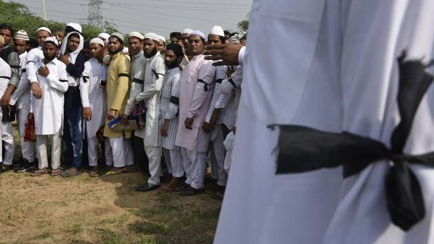 Residents of Junaid's village Khandawali had sported black arm bands on Eid to protest the murder.(Raj K Raj/HT PHOTO)
