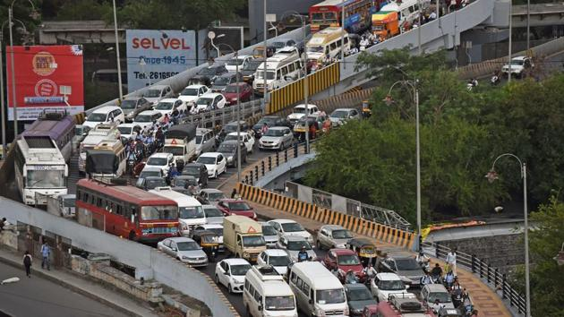 Pune has around 40 flyovers, but the city isn't moving in solving its traffic problem.(Pratham Gokhale/ HT Photo)