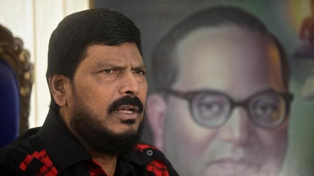 A champion of separate Vidarbha state, Ramdas Athawale said his party was committed to the cause and would vote for it, if such a bill comes in Parliament.(HT FILE PHOTO)