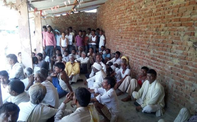 Members of panchayat in Rajasthan's Dholpur on Saturday banned girls from wearing jeans and carrying or using mobile phones.(HT Photo.)