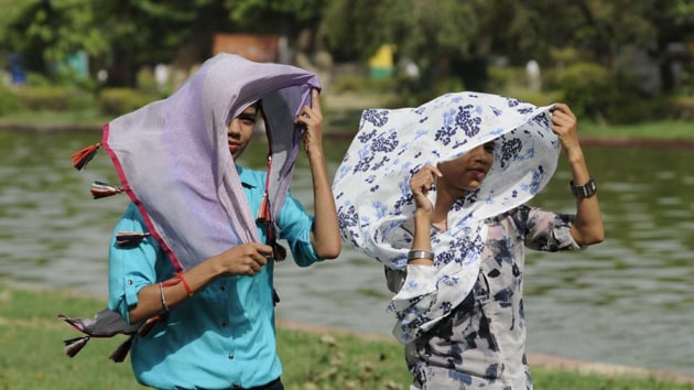 The average summer high in Delhi will rise by 5 °C, from 35.2 °C to 40.2 °C, which is alarming because the average takes into account June, July and August temperatures(HT file photo)