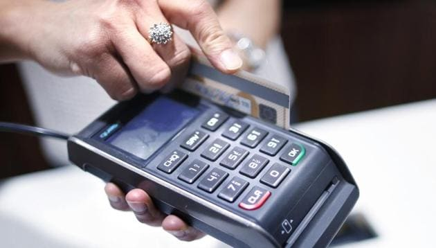 The RBI has mandated banks to pay the amount involved in a transaction within 10 days of reporting by the customer.(Reuters Representative Photo)