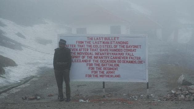 An Indian Army personnel at the Nathula Pass near the India-China border in Sikkim.(HT File Photo / Representational)