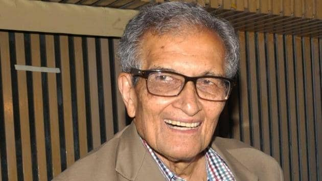 Nobel laureate Amartya Sen during the special screening of Suman Ghosh's film The Argumentative Indian in Kolkata.(IANS)