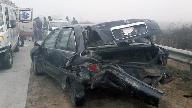 Increasing number of accidents on the Yamuna Expressway was a cause for concern.(HT File Photo)