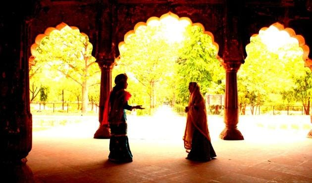 A scene from the theatre walk, Shah Jahan's Daughters, at Roshanara Bagh.(Courtesy Darwesh)