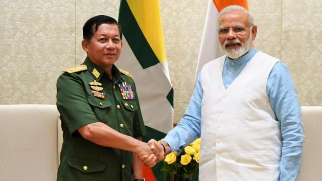 Sr. Gen. U Min Aung Hliang, Commander-in-Chief of the Myanmar Defence Services calls on PM @narendramodi in New Delhi on July 14, 2014.(PIB Twitter)