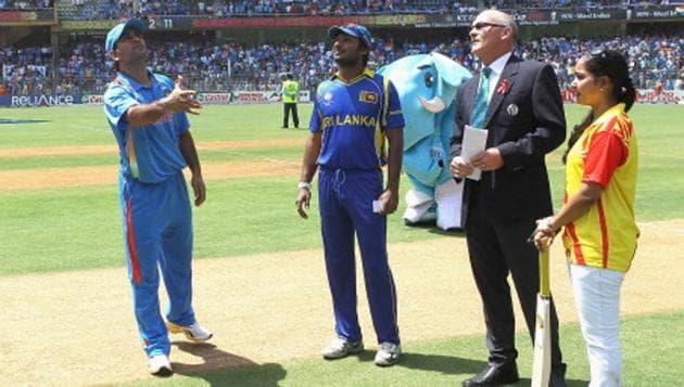 MS Dhoni -led India beat Kumar Sangakkara-led Sri Lanka in the 2011 ICC World Cup final.(Getty Images)