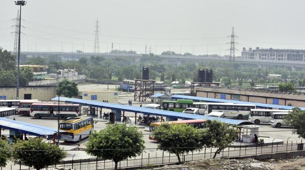 Rapid Rail Transit System corridors connecting Delhi with Alwar, Panipat and Meerut, a major Metro station on the Mukundpur-Shiv Vihar line and the revamped interstate bus terminus will make Sarai Kale Khan in south Delhi the biggest transport hub in Delhi.(Arun Sharma/HT Photo)