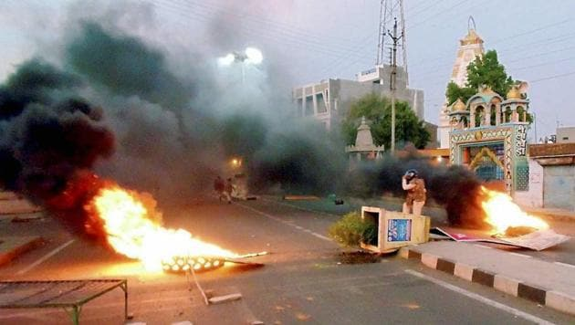 Mandsaur: A scene after violent clashes between farmers and the police at Pipliya in Mandsaur district of MP on June 6, 2017. Six farmers were killed and four others injured in firing by police on farmers, who were protesting for a week demanding loan waiver and fair price for their produce. RR(PTI File Photo)