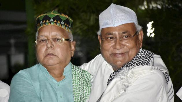 Bihar chief minister Nitish Kumar with RJD chief Lalu Prasad, Patna, Bihar (File Photo)(PTI)