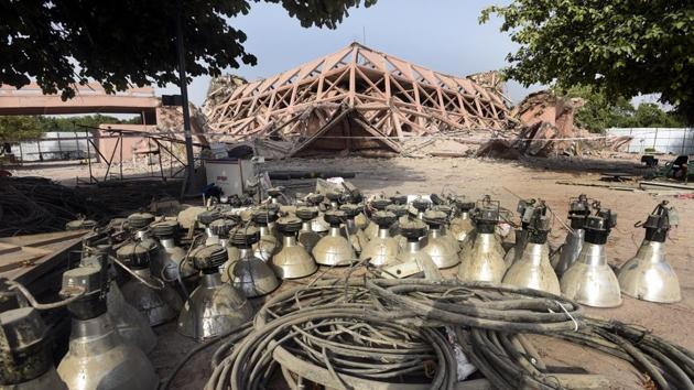 Hindustan Times had on July 6 highlighted that more than 1,700 trees may be felled to make way for a integrated exhibition-cum-convention centre at Pragati Maidan(Sonu Mehta/HT PHOTO)