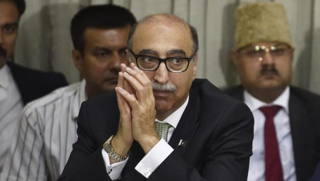 Outgoing Pakistani high commissioner Abdul Basit during a discussion on India-Pakistan ties on New Delhi.(HT FILE PHOTO)