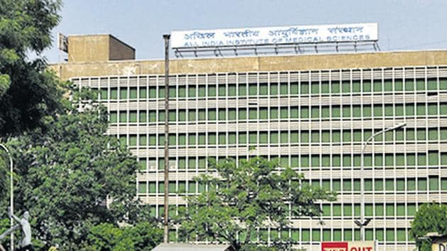 The Delhi HC has sought response of the Centre, AIIMS and the CBI on a plea seeking a probe into alleged illegalities and irregularities during the AIIMS MBBS entrance 2017.(HT Photo)