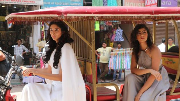 Daenerys Targaryen took a trip to Paharganj, along with Missandei, her trusted handmaiden in a tuk tuk. The sight had people rubbing their eyes. They couldn't decide if they were hallucinating or if these women were for real. (Photo: shara ashraf/ht; styling: shara ashraf & akshay kaushal)