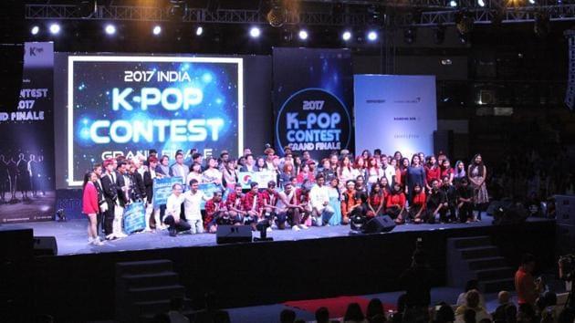 Finalists of the 2017 India K-pop Contest in Talkatora Indoor Stadium in New Delhi on July 29.(Korean Cultural Centre)