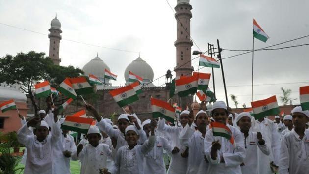 Madrassa students of Darul Uloom Taj ul Masjid, Bhopal take part in Independence day celebrations.(Mujeeb Faruqui/HT Photo)