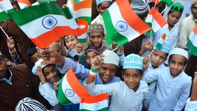 Students celebrate Independence Day at the Dargah-e-Ala Hazrat in Bareilly on Tuesday.(Subhankar Chakraborty/ HT photo)