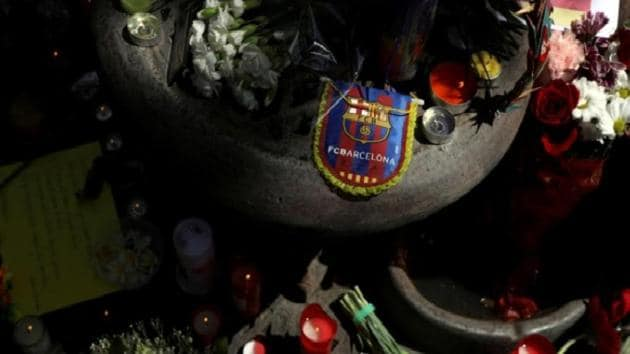 An impromptu memorial is seen a day after a van crashed into pedestrians at Las Ramblas in Barcelona.(Reuters)