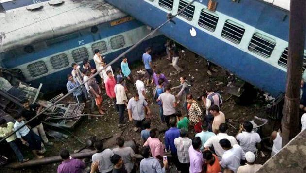 Coaches of the Puri-Haridwar Utkal Express train after it derailed in Khatauli near Muzaffarnagar on Saturday.(PTI Photo)