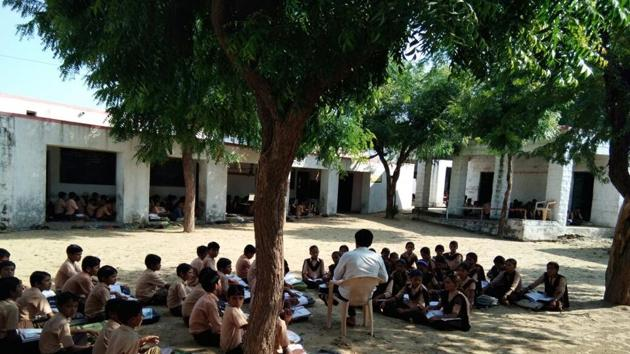 After villagers pledged ₹22 lakh for development of the school in Ogala, the state government announced to donate ₹33 lakh.(HT Photo)