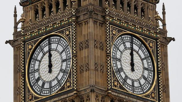 The Big Ben bell chimes for the last time in four years ahead of restoration work on the Elizabeth Tower, which houses the Great Clock and the Big Ben bell, at the Houses of Parliament in London, Britain, on August 21, 2017.(Reuters)