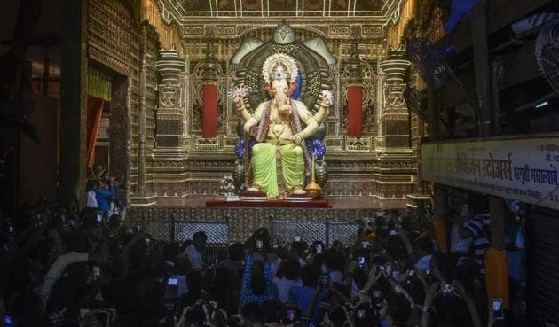 The Lalbaughcha Raja was unveiled Monday evening.(Kunal Patil/HT)