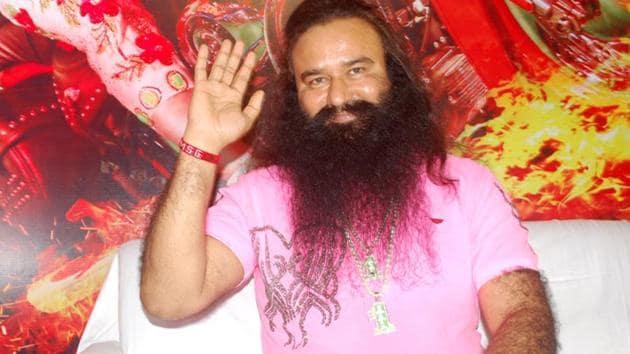 Dera Sacha Sauda chief Gurmeet Ram Rahim Singh in Indore.(Arun Mondhe/HT File photo)
