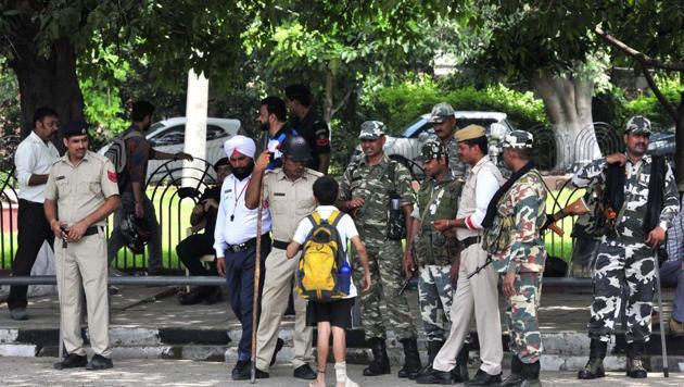 Paramilitary forces in Panchkula, on Thursday.(Ravi Kumar/HT)