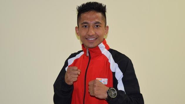 Kavinder Singh Bisht making his debut at World Boxing Championship, beat two-time world championship medallist Mohamed Flissi .(HT Photo)