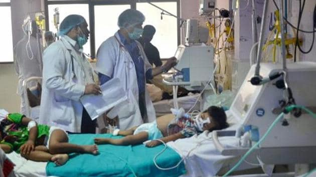 Children admitted in the Encephalitis ward of the state-run Baba Raghav Das Medical College.(PTI File Photo)