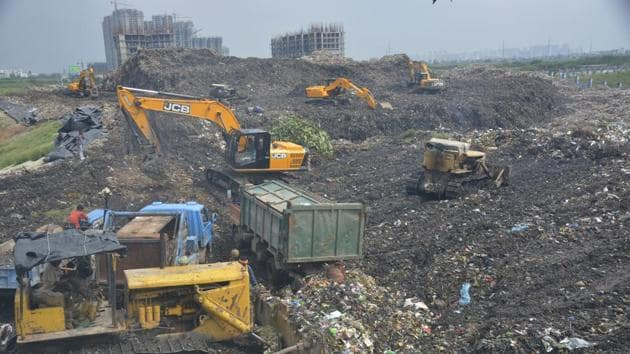 The city, at present, produces nearly 950 metric tonnes of solid waste every day but has no facility to dispose it of in a scientific manner.(Sakib Ali/HT Photo)