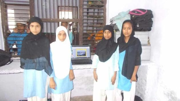 Students photographed with a laptop at a madrasa in Nalanda, Lucknow.(HT Photo)