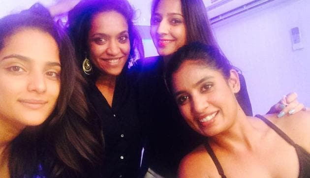 Mithali Raj's picture that has created a stir on Twitter. The Indian women's cricket team captain has faced criticism like Bollywood actress Priyanka Chopra and has been body-shamed earlier too.(Twitter.com)