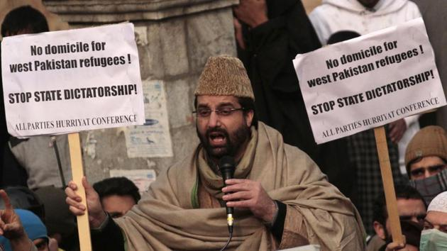 Hurriyat Conference (M) chairperson Mirwaiz Umar Farooq at a protest rally against the issuing of domicile certificates to West Pakistan Refugees (WPR) in Srinagar.(HT File Photo)