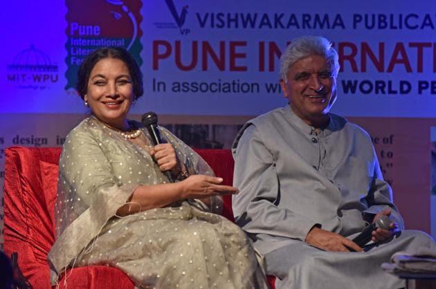 Shabana Azmi (L) and Javed Akhtar at the inaugural day of Pune International Literary Festival (PILF) at YASHADA on Friday.(Pratham Gokhale/HT PHOTO)