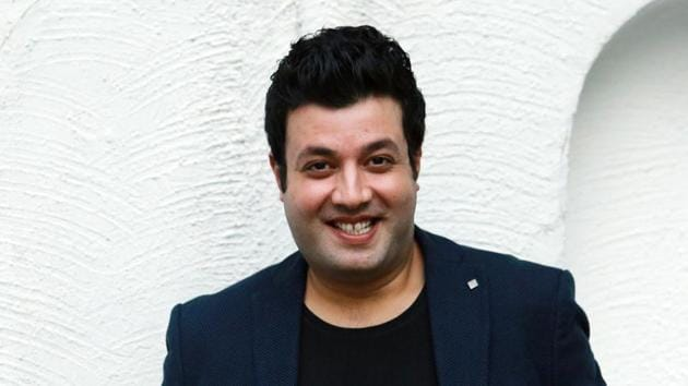 Actor Varun Sharma says that Delhi's food and its people, both are his favourites.(Amal KS/HT)