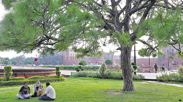 Vijay Chowk gardens are so tranquil that even the distant roar of traffic seems acceptable.(Mayank Austen Soofi / HT Photo)