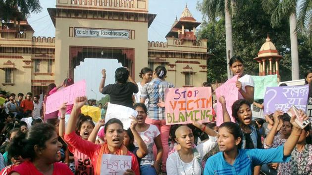 A protest on Saturday by the students of Banaras Hindu University against the molestation of a student inside the campus, in Varanasi.(PTI)