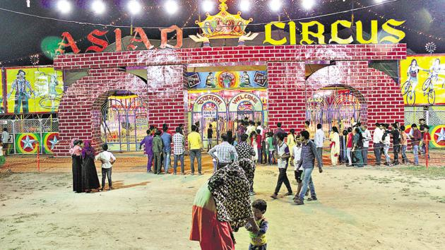 The Asiad Circus, one of the few surviving travelling circuses in India, is currently holding shows in east Delhi's Shastri Park.(Manoj Sharma/HT Photo)