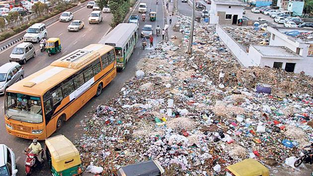 Urban India generates 151,831 metric tonnes of waste per day. If not collected, treated and disposed safely, this can cause serious environmental and health hazards(Arun Sharma/HT)