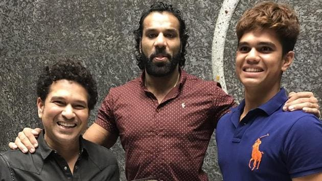 Jinder Mahal invited Sachin Tendulkar and his son Arjun Tendulkar to the WWE Live Event, scheduled to take place in New Delhi in December.(Twitter/ The Maharaja)