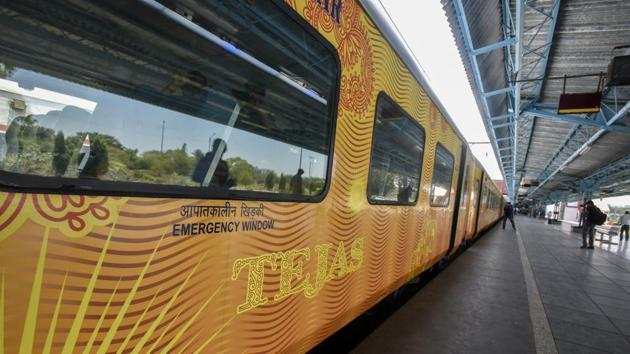 Twenty-six passengers, including a six-year-old, fell ill after eating the food served on the Mumbai-Goa high-speed train, Tejas Express, on Sunday.(HT File)