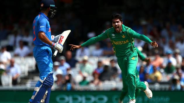 Virat Kohli and Mohammad Amir have praised each other in recent interviews. India vs Pakistan cricket matches are about key battles and Kohli vs Amir is certainly one of them.(Reuters)