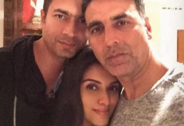 Akshay Kumar shared the first glimpse of Asin and Rahul Sharma's daughter.(Instagram)
