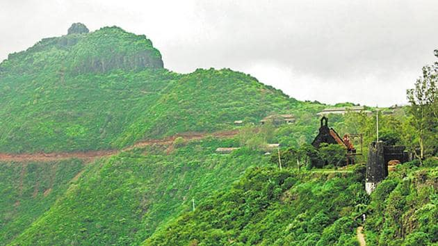 A file photo of Purandar fort and Vajragad, when photography was allowed.(HT PHOTO)