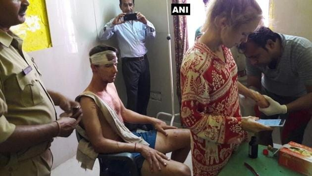 The Swiss couple that was attacked with stones and sticks by a group of men in Fatehpur Sikri on Sunday.(ANI/Twitter)