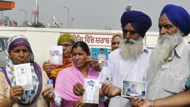 39 Indians, including 29 Punjabis, went missing at Mosul in Iraq in June 2014 after being abducted by the Islamic State.(AFP File)
